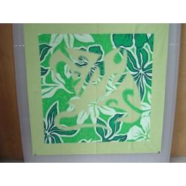 Tifaifai Carre 50cm Raie Vert amande fond Vert foncé et Blanc