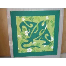 Tifaifai Carre 50cm Raie Vert foncé fond Vert