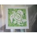 Tifaifai Carre 50cm Tortue Blanc fond Vert