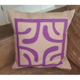 Housse de Coussin Carré 40cm Croix marquisienne Marron glacé fond Violet