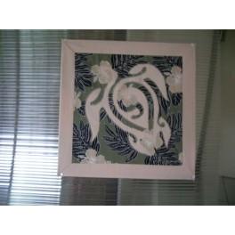 Tifaifai Carre 50cm Tortue Rose pâle fond Gris