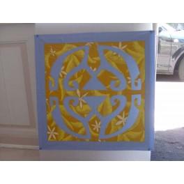Tifaifai Carre 60cm Union Bleu ciel fond Moutarde jaune