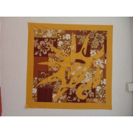 Tifaifai Carre 70cm Coquillage Jaune d'or fond Marron imprimé