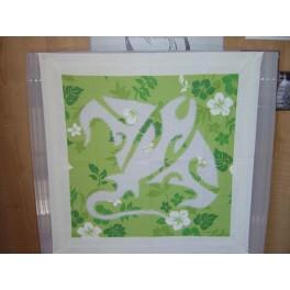 Tifaifai Carre 50cm Raie Blanc fond Vert